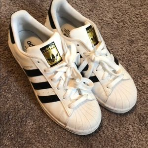 Adidas Superstar Sneaker Like New